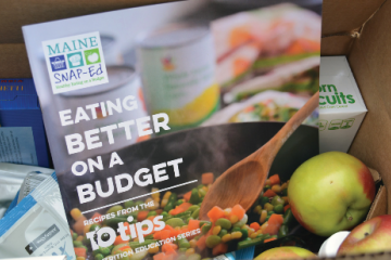 Maine SNAP-Ed Eating Better on a Budget 10 tips booklet cover
