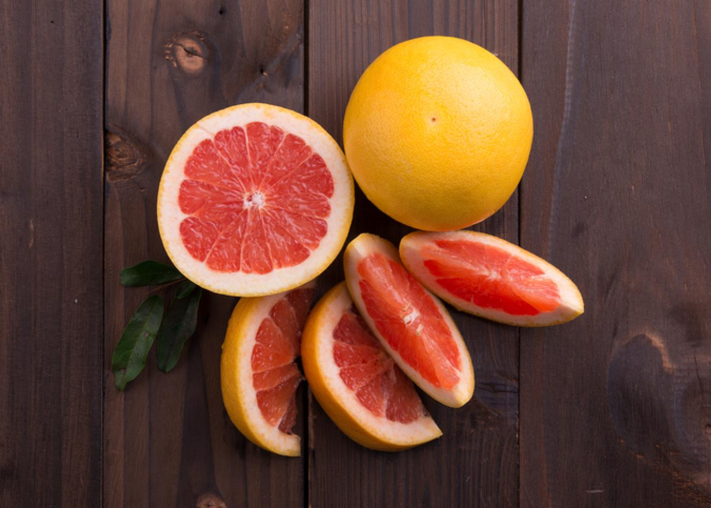grapefruit slices and whole grapefruit